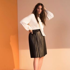 Layne Bryant // Pleated Faux Leather Skirt //Black